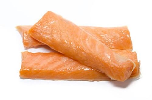Kaltgeräucherte Lachslocken extra breit